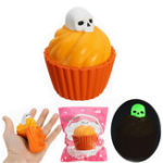 Оригинал YunXin Squishy Pumpkin Puff Cake Glow In Dark Halloween Slow Rising With Packaging Collection Gift