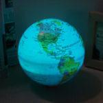 Оригинал 15 см Электрический LED Самовращающийся мир Земной шар Карта Земли Цвет Свет География Образование Декор
