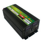 Оригинал 1500W 3000W Пик 12V / 24V до 220V LCD Дисплей Инвертор мощности с конвертером зарядного устройства UPS Battey