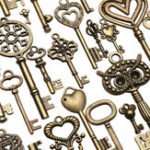 Оригинал 130pcs Античная бронзовая латунь Vtg Изысканные скелетные ключи Lot Кулон Fancy Сердце Кулонs Key Gift