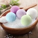 Оригинал 8PCS Spa Bath Salts Ball Organic Fizzy Stress Relief Отшелушивающий комплект подарков Масло Натуральные ингредиенты для ванны для ванны
