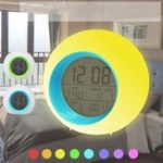 Оригинал Батарея Powered Colorful Wake-up Лампа Интеллектуальная сигнализация Часы Digital Pat Night Light