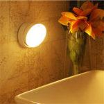 Оригинал USB перезаряжаемый PIR Motion Датчик LED Ночной свет 360 градусов вращения Лампа для спальни Главная