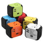 Оригинал 4 in 1 Universal Travel Adapter Plug 2 USB Charger Plug Power Socket Adapter International