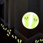 Оригинал 1параСимпатичныемультфильмМаленькиефутовые флуоресцентные стикеры стены DIY Art Home Decor Креативные стильные наклейки для по