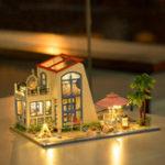 Оригинал Hoomeda 13840 1/24 DIY Деревянная кукла House Blue Sky со светодиодной мебелью DIY Dollhouse