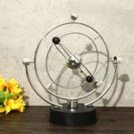 Оригинал Newtons Cradle Balance Ball Настольный декор для любителей подарков Classic Научная игрушка Fun Desk Toy