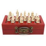 Оригинал Набор из 32 фигурок терракотовых воинов с китайской кожаной древесиной Коробка Настольные игры