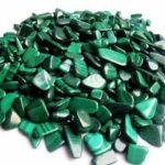 Оригинал              100 г натуральных упавших малахитовых камней драгоценные камни рейки полированные украшения исцеления
