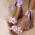 Оригинал              Женщины Утолщение Strappy Tie Leg Flat Сандалии