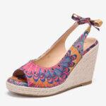 Оригинал              LOSTISY Женское Полиграфический декор Удобные носки с открытым носком Повседневные клинья Сандалии
