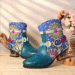Оригинал              SOCOFY Женское Резиновые шорты с синей застежкой-молнией на низком каблуке с этнической печатью Ботинки