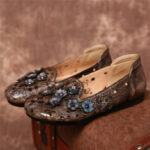 Оригинал              SOCOFY Retro Flowers Шаблон Натуральная Кожа Сращивание Полые Soft Подошва Плоские Туфли
