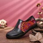 Оригинал              SOCOFY Retro Splicing Flower Шаблон Comfy Натуральная Кожа Повседневная обувь на плоской подошве с боковой молнией