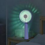 Оригинал              Цветной световой градиент USB-зарядка Мини-вентилятор с регулируемым углом наклона 90 ° Портативный складной вентилятор