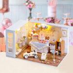 Оригинал              CUTE ROOM Camp Party Theme DIY Собранный милый Кукла Дом с крышкой и светом